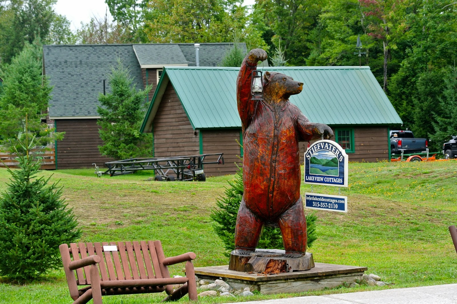 Steifvater's Lakeside Cottages Bear