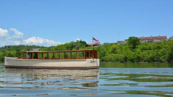 Carillon Boat Cruises