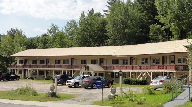 Brookside Motor Inn